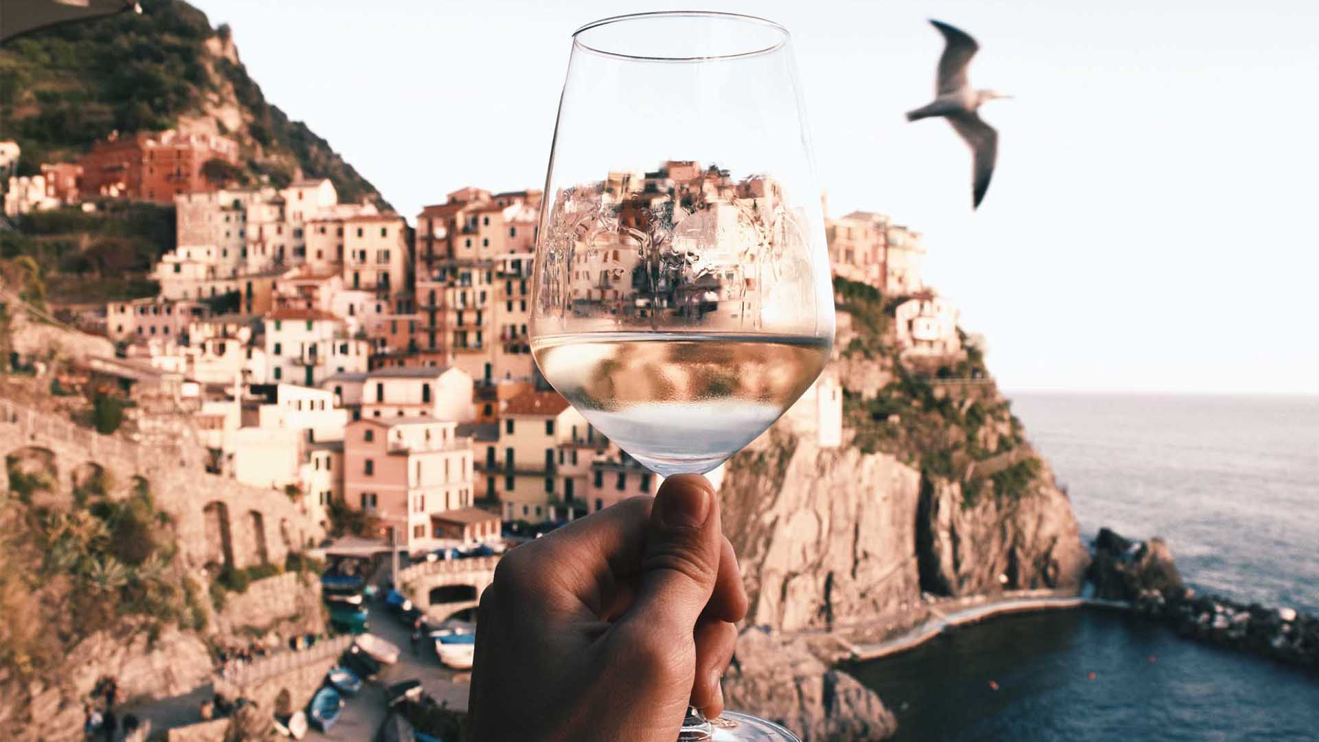 Wines to Beat the Summer Heat